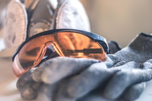 zestaw ochronny PPE okulary rękawice ochronne